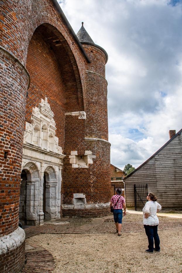 Eglise fortifiée de St Médard de Parfondeval